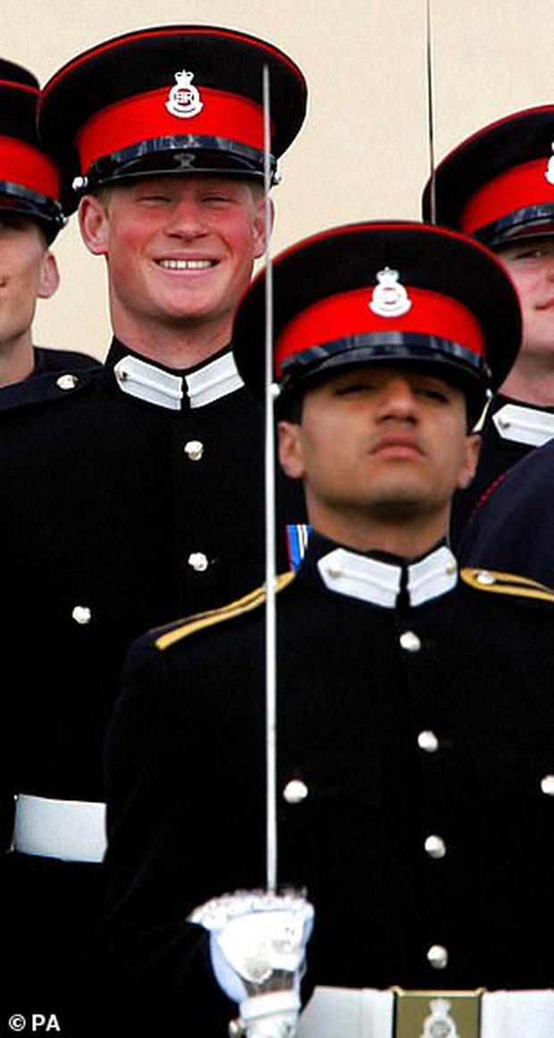Gia đình anh lính từng bị Harry xúc phạm lên tiếng sau màn bóc phốt Hoàng gia Anh phân biệt chủng tộc của vợ chồng Hoàng tử - Ảnh 1.