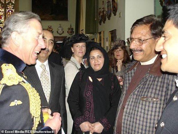 Gia đình anh lính từng bị Harry xúc phạm lên tiếng sau màn bóc phốt Hoàng gia Anh phân biệt chủng tộc của vợ chồng Hoàng tử - Ảnh 2.