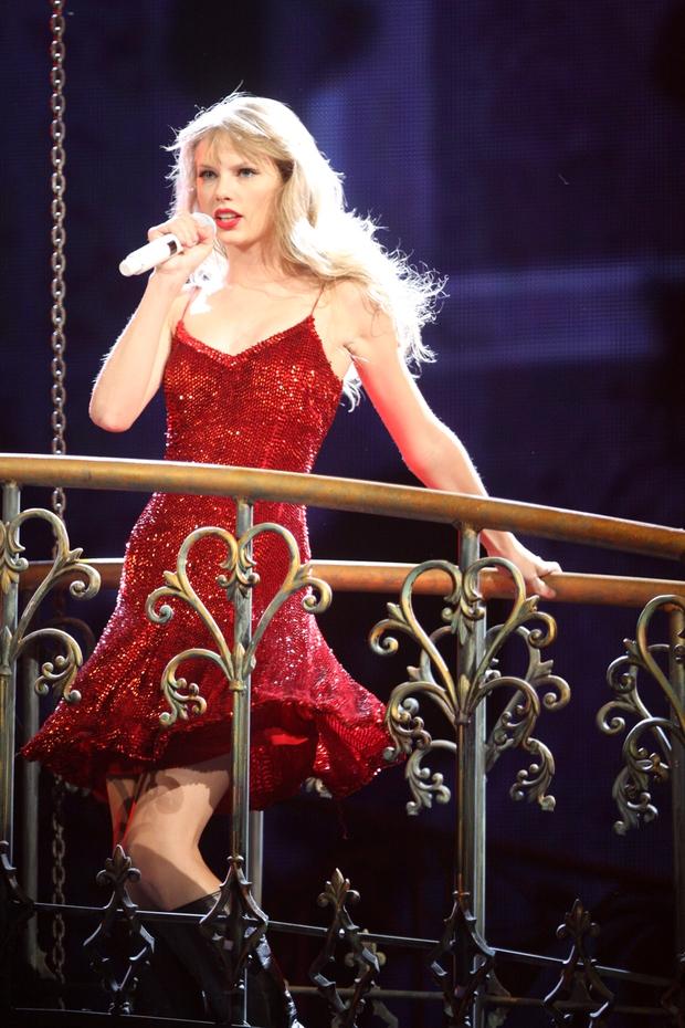 Taylor Swift thừa nhận Joe là chàng thơ đầu tiên trong sự nghiệp ca hát, fan tìm ngay ra bằng chứng lươn lẹo - Ảnh 9.