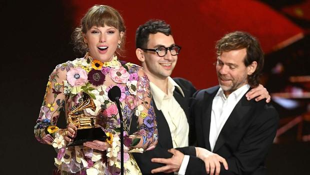 Taylor Swift thừa nhận Joe là chàng thơ đầu tiên trong sự nghiệp ca hát, fan tìm ngay ra bằng chứng lươn lẹo - Ảnh 2.