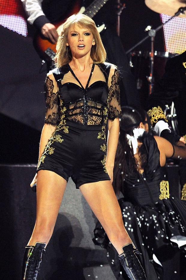 Taylor Swift thừa nhận Joe là chàng thơ đầu tiên trong sự nghiệp ca hát, fan tìm ngay ra bằng chứng lươn lẹo - Ảnh 7.