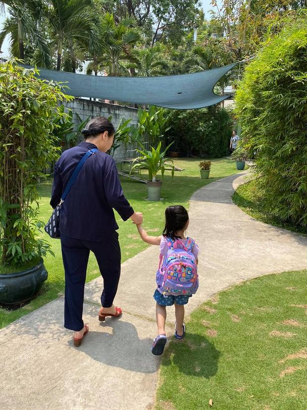 Ông xã Đặng Thu Thảo khoe ảnh con gái ngoan ngoãn đi học, bé Sophie gây ấn tượng vì nhìn lớn phổng phao - Ảnh 2.
