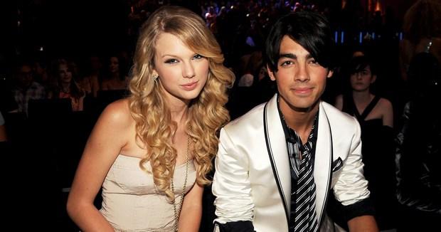 Taylor Swift thừa nhận Joe là chàng thơ đầu tiên trong sự nghiệp ca hát, fan tìm ngay ra bằng chứng lươn lẹo - Ảnh 10.