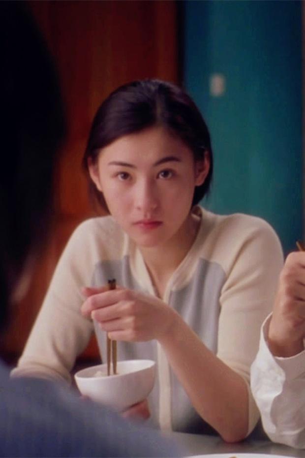 Nhìn lại nhan sắc thuở vào nghề của Trương Bá Chi mới hiểu vì sao Tạ Đình Phong mê như điếu đổ, cả Hong Kong xao xuyến - Ảnh 3.