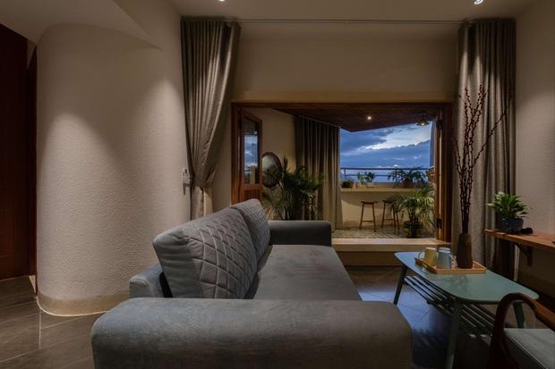 Gia đình trẻ cải tạo lại căn hộ trên tầng 39, biến ban công thành khoảng sân nhỏ ngắm trọn view sông núi - Ảnh 4.