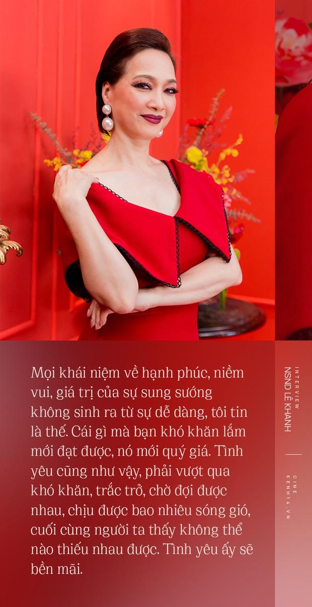 NSND Lê Khanh: Với Gái Già Lắm Chiêu V, tôi dám đánh đổi những thứ khủng khiếp của đời mình - Ảnh 12.