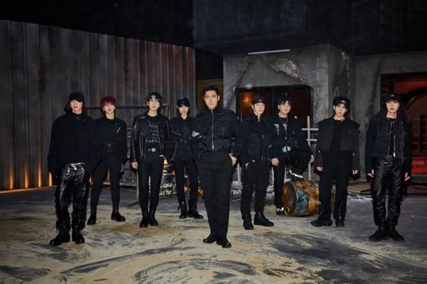 Sốc với visual 15 năm không đổi của Heechul (SUJU), quảng bá bài hit huyền thoại làm 8x và 9x bồi hồi nhưng chưa chắc Gen Z đã biết - Ảnh 1.