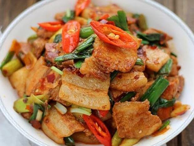 6 thói quen nguy hiểm khi nấu thịt lợn rất nhiều bà nội trợ Việt mắc phải, khiến món ăn sinh độc hại thân và mất ngon - Ảnh 3.