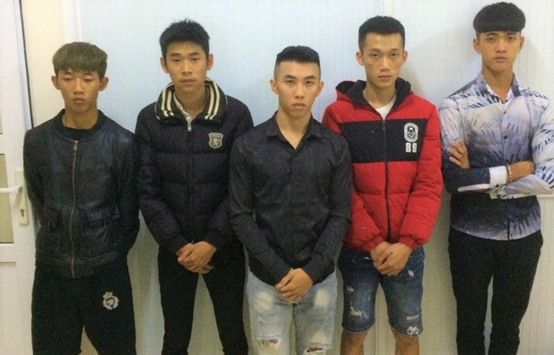 Bắt nóng nhóm thanh, thiếu niên dùng mã tấu hẹn nhau hỗn chiến ở Bảo Lộc - Ảnh 1.