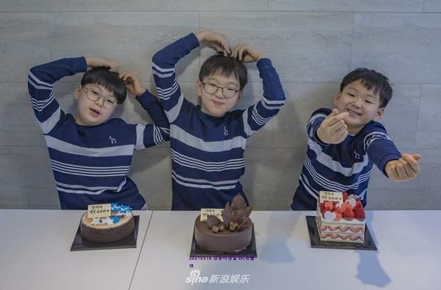Ảnh sinh nhật 9 tuổi của Daehan - Manse - Minguk gây bất ngờ: Ba hoàng tử bé khoe chân siêu dài, visual khác hẳn ngày trước - Ảnh 2.
