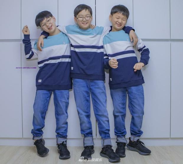 Ảnh sinh nhật 9 tuổi của Daehan - Manse - Minguk gây bất ngờ: Ba hoàng tử bé khoe chân siêu dài, visual khác hẳn ngày trước - Ảnh 6.