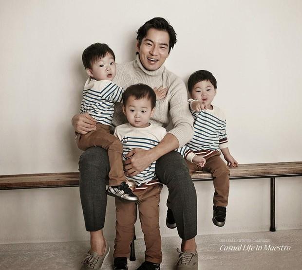 Ảnh sinh nhật 9 tuổi của Daehan - Manse - Minguk gây bất ngờ: Ba hoàng tử bé khoe chân siêu dài, visual khác hẳn ngày trước - Ảnh 8.