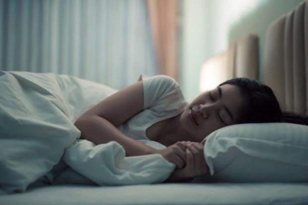 Người sống lâu thường hội tụ đủ 5 điều khi ngủ, nếu có tất cả thì xin chúc mừng - Ảnh 2.