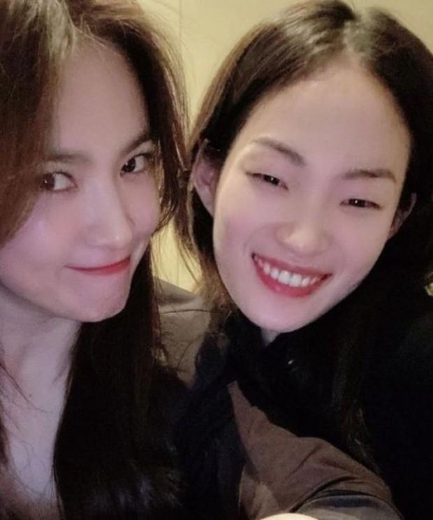 Song Hye Kyo lọt top tìm kiếm trên Naver khi chia sẻ về người đặc biệt này - Ảnh 4.