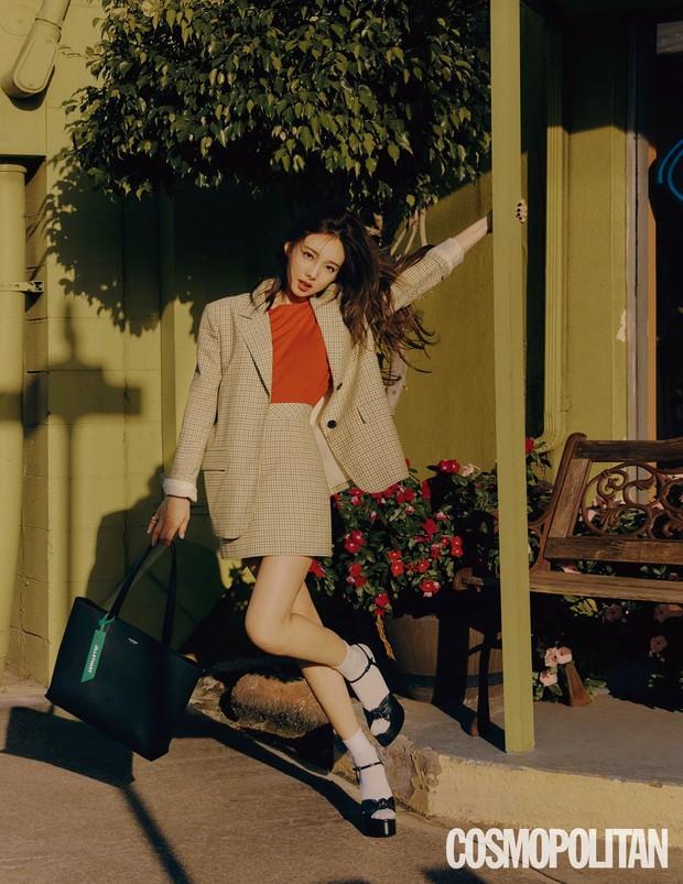 Đến lúc TWICE bỏ được mác mặc đồ hiệu như đồ chợ, tất cả là nhờ bộ ảnh lột xác 180 độ sexy của chị cả Nayeon - Ảnh 10.