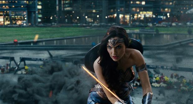Bóc profile dàn siêu anh hùng trong hội Justice League: Người nhanh, kẻ mạnh nhưng bá nhất vẫn là... tiền! - Ảnh 1.