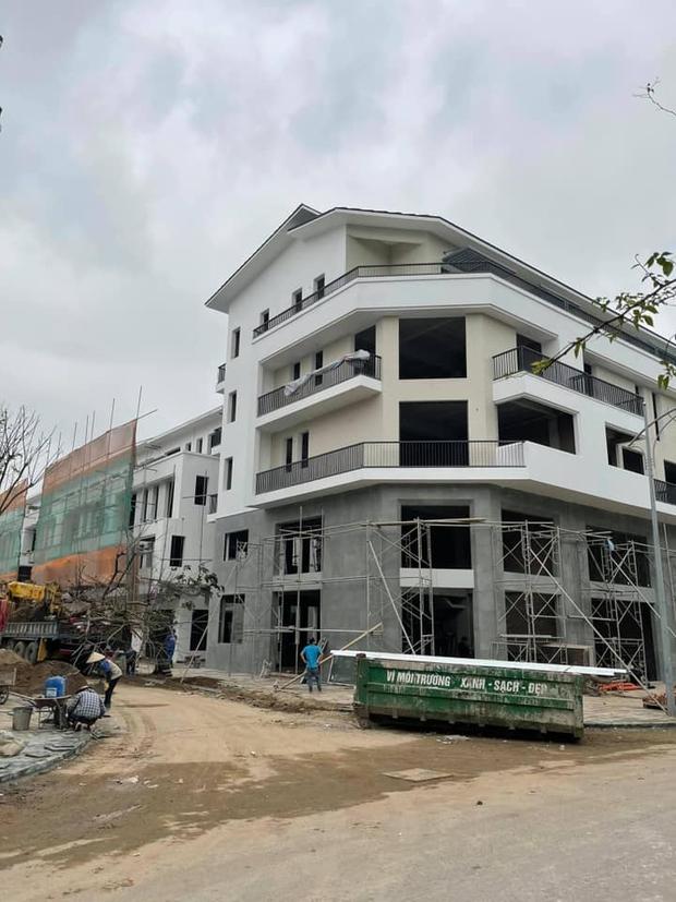 Sau nhà phố ở Hà Nội và TP.HCM, Khắc Việt tiếp tục về Hưng Yên tậu biệt thự - Ảnh 2.