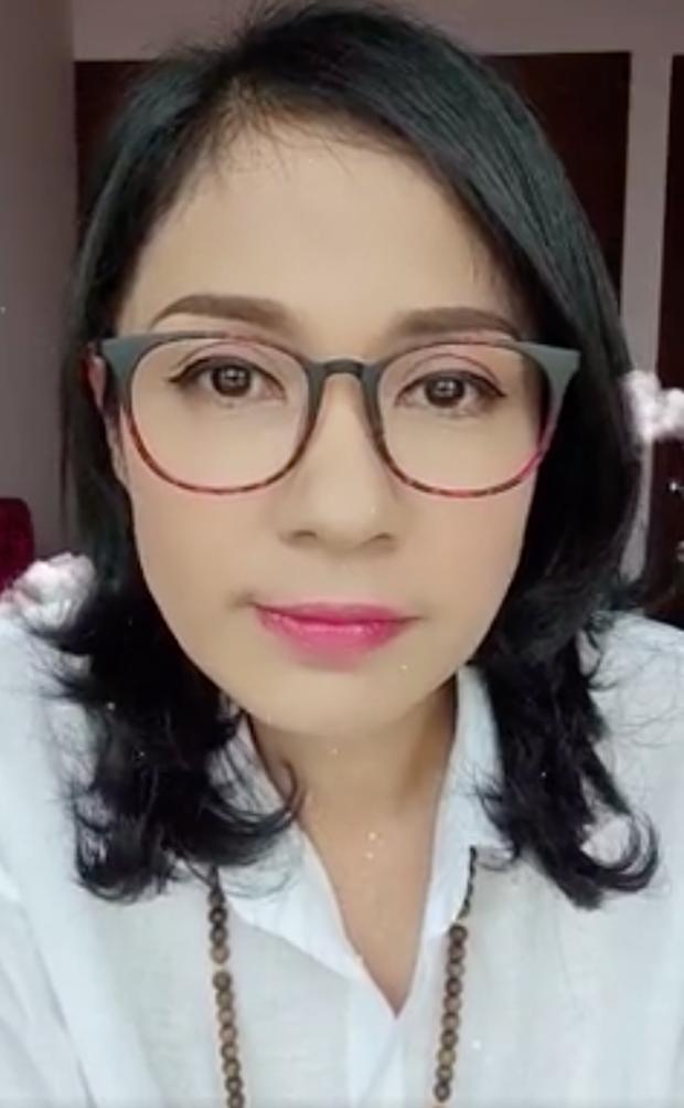 Bị mỉa mai livestream bán hàng gây quỹ từ thiện để câu view, NS Việt Trinh đáp trả cực gắt - Ảnh 5.