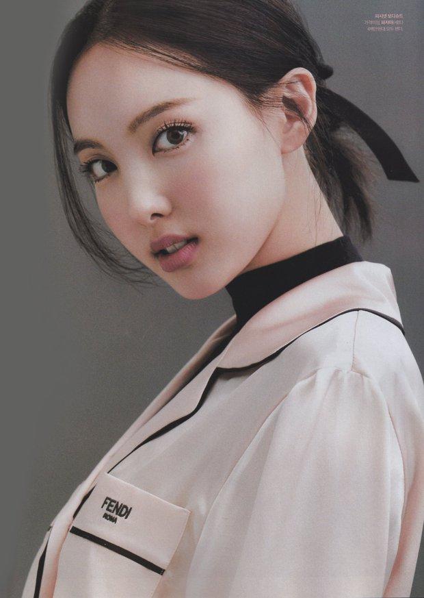 Đến lúc TWICE bỏ được mác mặc đồ hiệu như đồ chợ, tất cả là nhờ bộ ảnh lột xác 180 độ sexy của chị cả Nayeon - Ảnh 3.