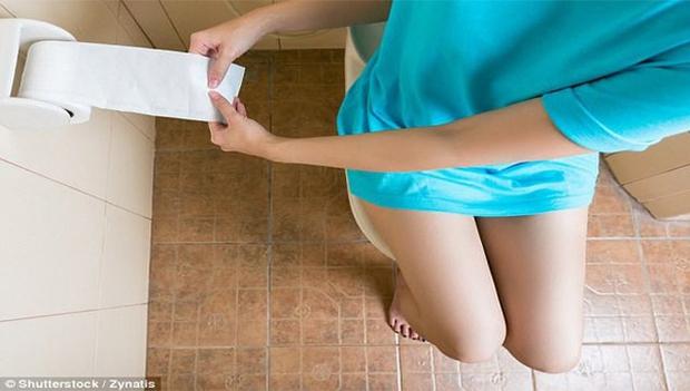 5 sai lầm mà mọi người hay mắc phải nhất khi đi vệ sinh có thể khiến cơ thể bị tổn thương, mắc trọng bệnh - Ảnh 3.