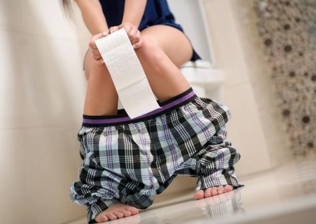 5 sai lầm mà mọi người hay mắc phải nhất khi đi vệ sinh có thể khiến cơ thể bị tổn thương, mắc trọng bệnh - Ảnh 2.