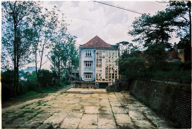 Ngôi trường bí ẩn nhất Đà Lạt: rộng 7 ha, cổ kính như trời Âu, từng khiến thí sinh Cuộc Đua Kỳ Thú sợ chết khiếp - Ảnh 9.