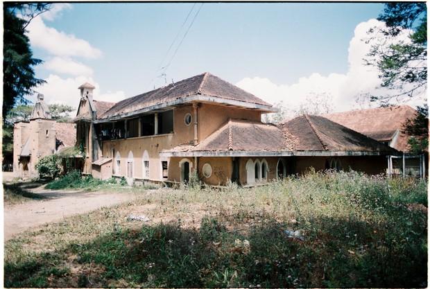 Ngôi trường bí ẩn nhất Đà Lạt: rộng 7 ha, cổ kính như trời Âu, từng khiến thí sinh Cuộc Đua Kỳ Thú sợ chết khiếp - Ảnh 10.