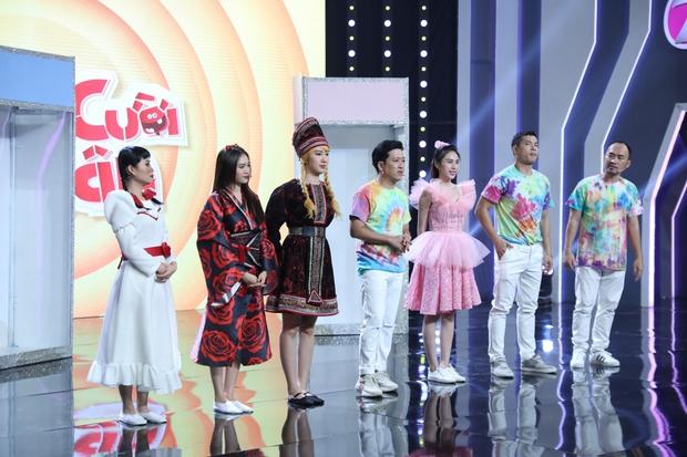 Như chưa hề có drama: Thuỷ Tiên vô tư chạm mặt Lan Ngọc tại gameshow sau scandal liếc xéo hất tóc - Ảnh 2.