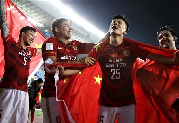 Bóng đá Trung Quốc: Ròng rã đốt tiền 10 năm, chỉ 1 đội thành công - Ảnh 2.