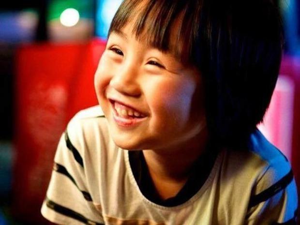 2 tuổi đã nổi tiếng khắp châu Á, kiếm được cả chục tỷ đồng nhưng cuộc sống hiện tại của sao nhí này gây ngỡ ngàng cực độ - Ảnh 2.