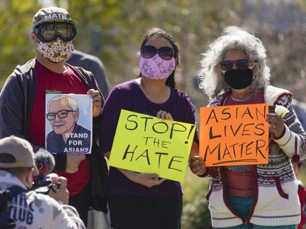 Vụ xả súng vào tiệm spa ở Mỹ: Phụ nữ gốc Á đang đối mặt mối đe dọa kép giữa đại dịch - Ảnh 1.