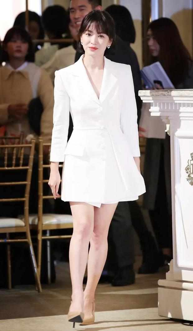 Song Hye Kyo diện blazer không bao giờ fail, sương sương cũng có 13 cách mặc trẻ và sang tuyệt đối - Ảnh 13.
