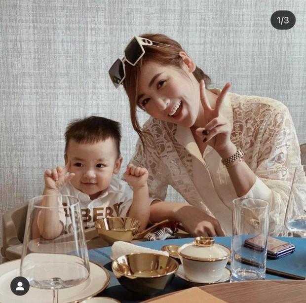 Á hậu kết hôn với thiếu gia ngành xây dựng, con trai sinh ra đã ngậm thìa vàng, 2 tuổi được bố mẹ gửi gắm vào trường học phí đắt nhất Hà thành - Ảnh 3.