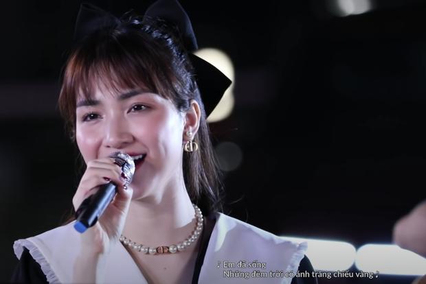 Hòa Minzy tiếp tục khiến khán giả xuýt xoa với visual thăng hạng trong Xuân Hạ Thu Đông Rồi Lại Xuân - Ảnh 9.