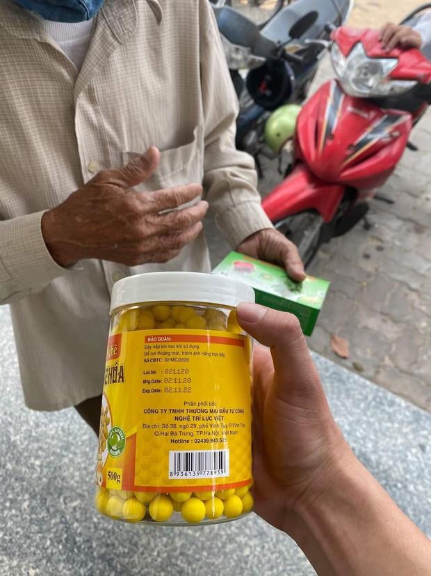 Bắt nhóm lừa đảo liên tỉnh với chiêu trò tặng dầu ăn để bán hàng giả - Ảnh 3.