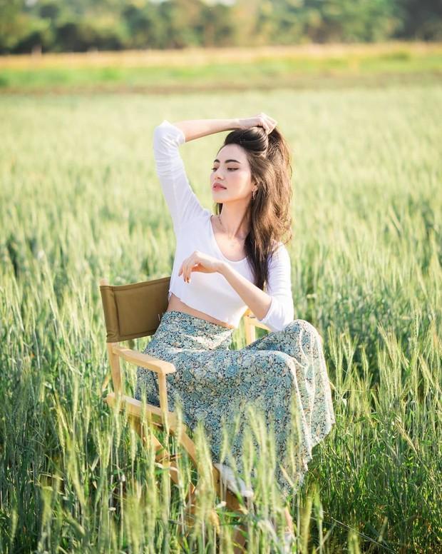 """""""Nữ hoàng crop top"""" chính là Mai Davika: Vừa khoe eo hoàn hảo không mỡ thừa, vừa nữ tính trẻ trung nhìn phát mê - Ảnh 10."""