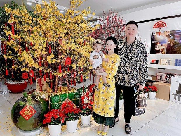 Con dâu ông trùm điện tử Sài Gòn hé lộ cảnh bên trong biệt thự đang sống, đầy ắp những món đồ chỉ giới thượng lưu mới có - Ảnh 2.