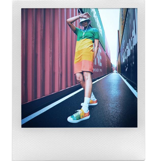 Polaroid hợp tác cùng Lacoste ra mắt bộ sưu tập quần áo và máy ảnh cực độc đáo - Ảnh 13.