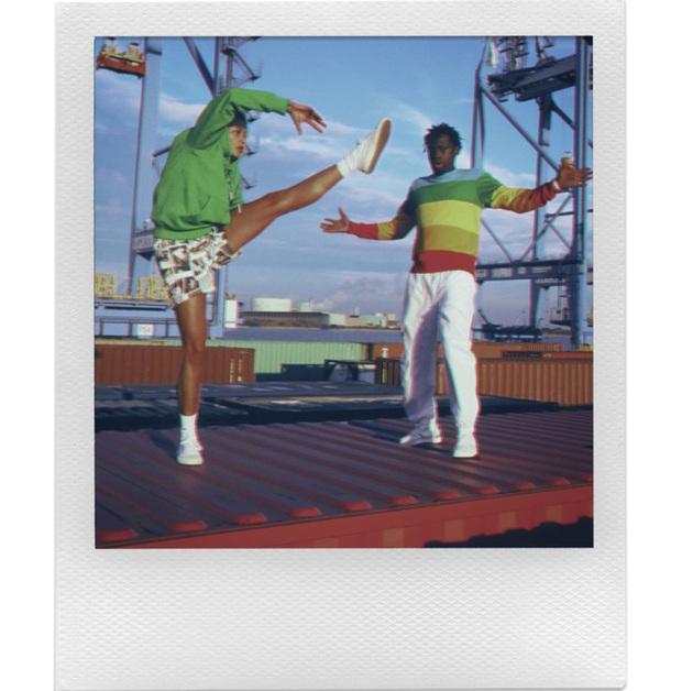 Polaroid hợp tác cùng Lacoste ra mắt bộ sưu tập quần áo và máy ảnh cực độc đáo - Ảnh 9.