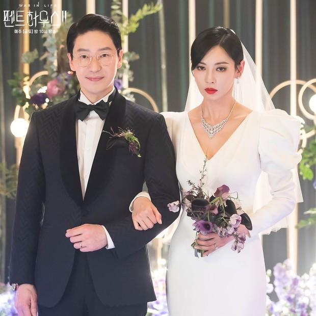 Ác nữ Penthouse Kim So Yeon gây bão trong ảnh đám cưới tối nay: Mặt như đâm lê nhưng nhan sắc đúng là mê chữ ê kéo dài - Ảnh 5.