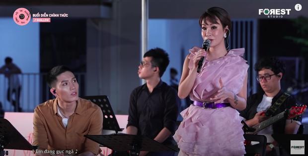 Uyên Linh cover hit của Lady Gaga làm Hòa Minzy bị khớp tinh thần, netizen khẳng định hát tiếng Anh hay nhất Vpop - Ảnh 1.
