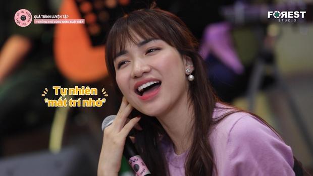 Hòa Minzy khớp, tụt mood sau khi tập hát cùng Uyên Linh - Ảnh 3.