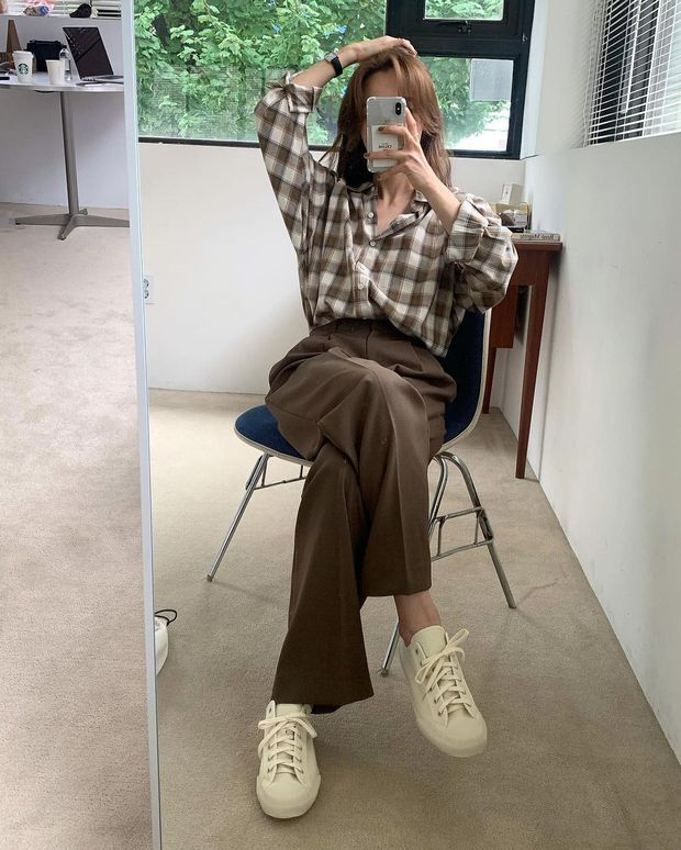Làm mới loạt items cũ trong tủ đồ bằng 12 công thức mix&match xinh tươi, trendy của hội gái Hàn - Ảnh 9.