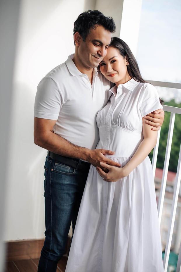 Võ Hạ Trâm khoe bụng bầu xác nhận mang thai con đầu lòng với chồng người Ấn Độ, Đoan Trang và dàn sao nô nức chúc mừng - Ảnh 3.