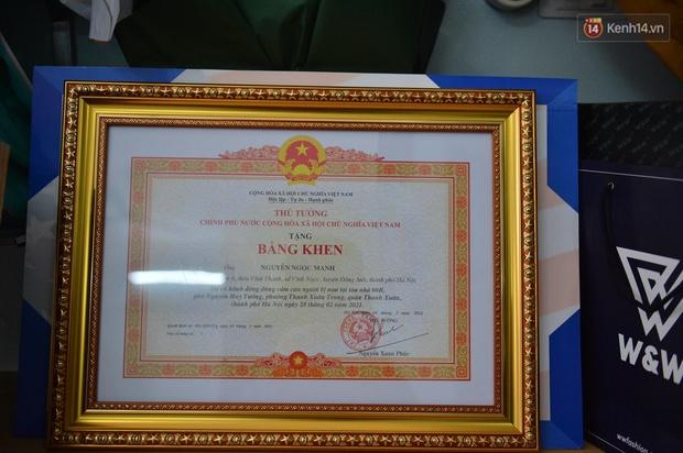 Anh Nguyễn Ngọc Mạnh nhận bằng khen của Thủ tướng - Ảnh 4.