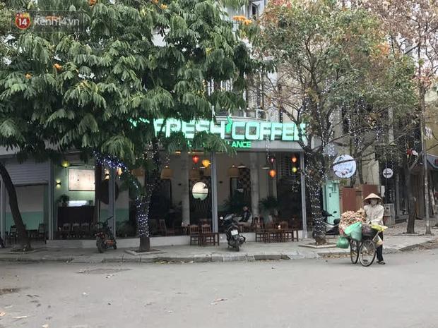 Hà Nội: Quán cafe đồng loạt mở cửa trở lại sau thời gian tạm dừng bán hàng phòng dịch Covid-19 - Ảnh 1.