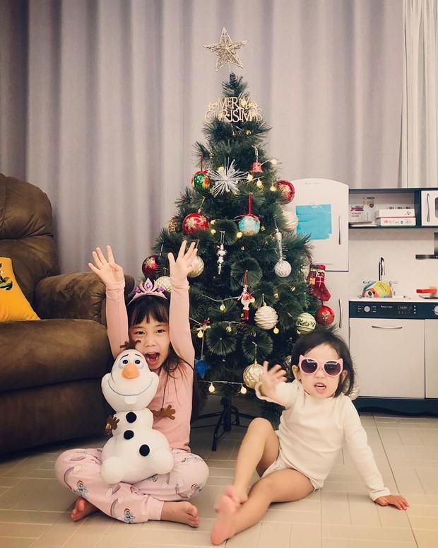 2 cô con gái nhà tiểu tam Penthouse Eugene: Hết thiên tài IQ 127 học trường quốc tế đắt đỏ đến fangirl nhí đặc biệt của BTS - Ảnh 15.