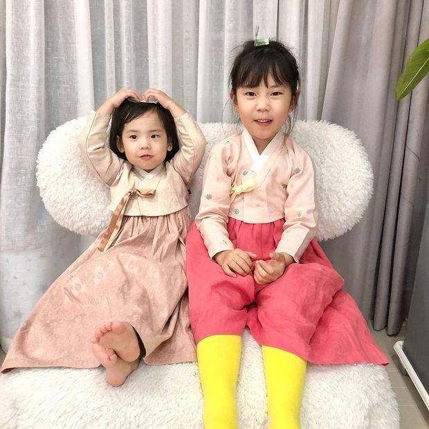 2 cô con gái nhà tiểu tam Penthouse Eugene: Hết thiên tài IQ 127 học trường quốc tế đắt đỏ đến fangirl nhí đặc biệt của BTS - Ảnh 3.