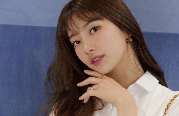 Vượt mặt Jisoo, Suzy mới là sao Hàn được Dior ưu ái đến độ đặc biệt độc nhất vô nhị như thế này - Ảnh 2.