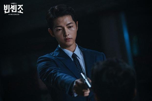 Đóng mafia mà giao diện búng ra sữa, Song Joong Ki định biến Vincenzo thành phim viễn tưởng đấy à? - Ảnh 9.